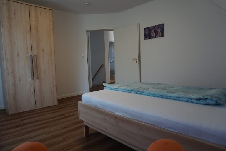 Einzelschlafzimmer West Obergeschoss Bild 2