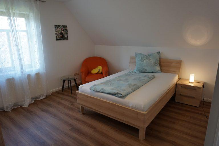 Einzelschlafzimmer Ost Obergeschoss Bild 1