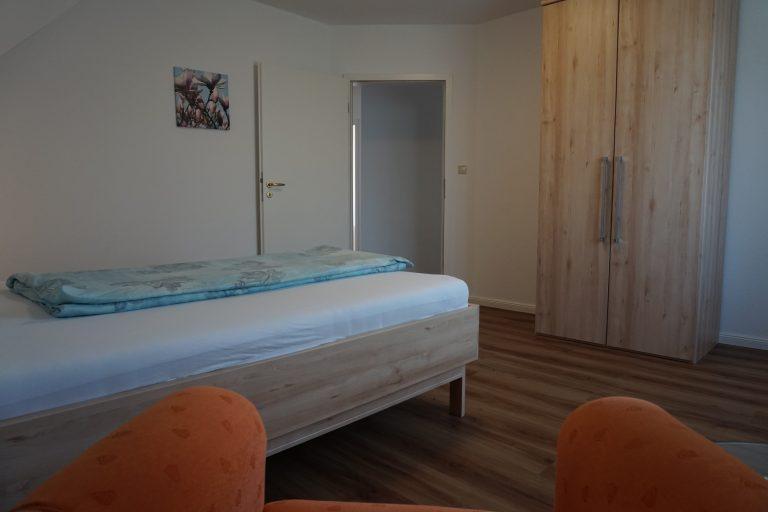 Einzelschlafzimmer Ost Obergeschoss Bild 2